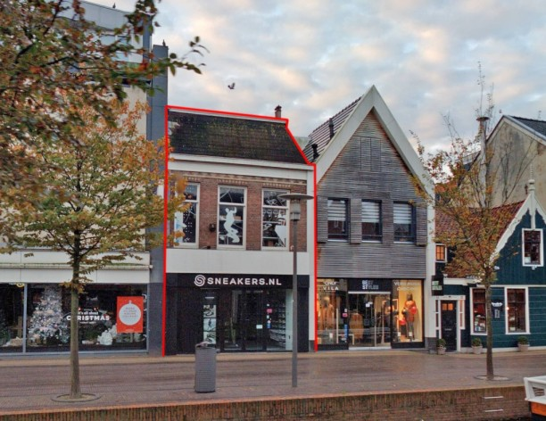 Te verstrekken hypothecaire lening op een te renoveren winkelpand met drie bovenwoningen bestemd voor de verhuur te Zaandam